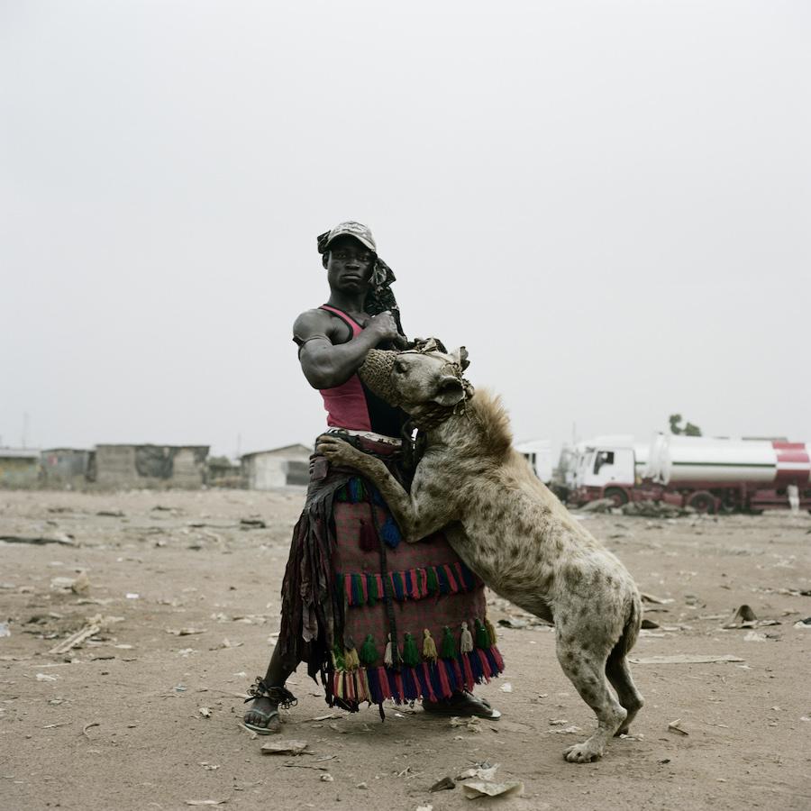 Gadawan Kura: stregoni domatori di iene